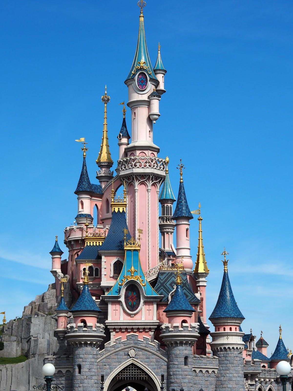 Zápisky z Paříže ||  Vítejte v Disneylandu!