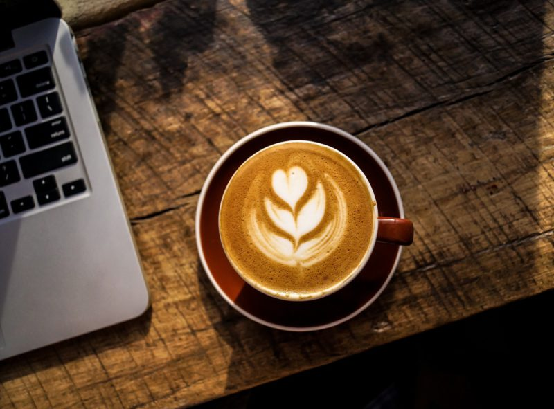 10 kavárenských zahrádek, které si zamilujete