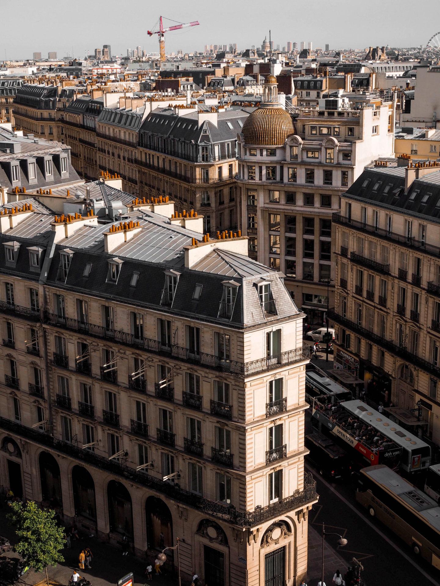 Devět dní v Paříži